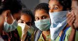 Индийский политик признал право коронавируса на жизнь
