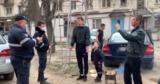 В Кишиневе задержали молодых людей, которые жарили шашлыки во дворе