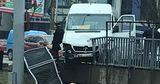 В Кишиневе маршрутка едва не рухнула с моста