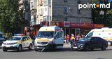 На Рышкановке легковой автомобиль столкнулся с машиной скорой помощи