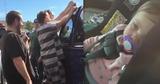 В США заключенные спасли запертого в автомобиле ребенка