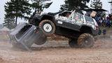 Пошли на таран: в Беларуси устроили автобои на выживание