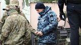 Украинские консулы посетили задержанных в России моряков