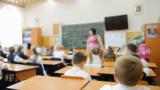 Молдавские школы получат новые парты для первоклассников
