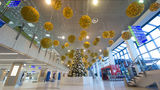 Кишиневский международный аэропорт украсили к новогодним праздникам