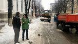 Сильвия Раду проверяет, чистят ли экономические агенты тротуары