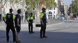 Злоумышленники, причастные к ЧП в Барселоне, забаррикадировались в кафе