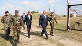 Додон на авиабазе в Мэркулешть: Армия нуждается в реформе