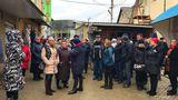 Комратские продавцы возмущены обысками таможенников и изъятием товара