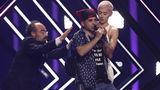 Сорвавший номер на «Евровидении» активист заявил об избиении полицией