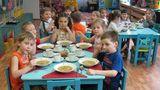 В детсадах в меню мало фруктов, овощей и молочной продукции