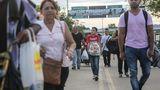 Экономический кризис в Венесуэле: люди тысячами бегут из страны
