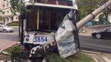 В Кишиневе троллейбус снес столб