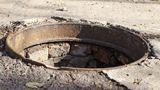 Трехлетняя девочка погибла, упав в канализационный люк в селе Булэешты
