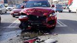 Maşină luată la drive test în Capitală, boţită în câțiva metri