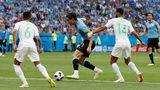 Уругвай шагнул в плей-офф вместе с Россией