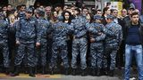 Протесты в Армении разрастаются, власти призывают к диалогу