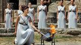 Imaginea zilei: În Grecia a fost aprinsă flacăra olimpică