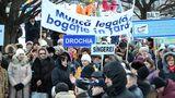 Профсоюзы отказались от забастовок и сделали властям очередное предупреждение