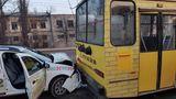 ДТП в Кишиневе: столкнулись троллейбус и такси