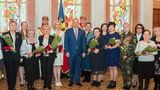Додон наградил выдающихся женщин: Они принесли славу нашей стране в мире