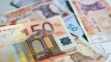 Эксперты объяснили резкие колебания курса евро