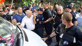 AIM считает арест участника протеста оппозиции чрезмерной мерой