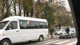 Accident în Capitală cu implicarea unui microbuz de pe linia 191