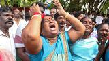 От скорби по министру умерли почти 300 индийцев
