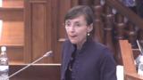 Выступающую в парламенте Корину Фусу заподозрили в нетрезвости