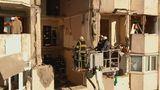 Работы по восстановлению пострадавшего от взрыва дома продолжаются