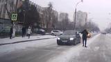 В столице водитель BMW набросился на пешехода из-за замечания