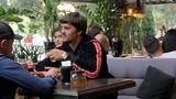 Обвиняемого в наркоторговле Константина Цуцу засняли в одном из одесских кафе