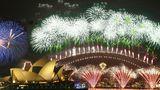 Новогодний фейерверк в Сиднее собрал более миллиона зрителей