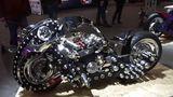 Футуристический мотоцикл представлен на международной выставке в Москве