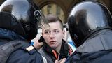 Евросоюз призвал освободить участников протестов в Москве