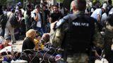 Turcia vrea să le dea permise de muncă refugiaţilor sirieni