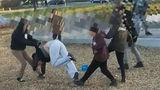 В Канаде малолетние дети избили женщину за сделанное замечание