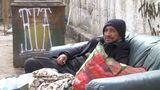 С приходом весны на улицах столицы появилось больше бездомных