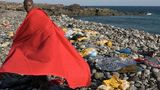Почти 30 мигрантов умерли от голода и жажды в лодке у ливийского побережья