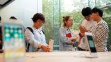 Поставщик Apple требует запретить производство и продажу iPhone в Китае