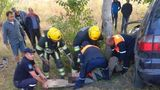 Авария в Цынцэренах: водитель не смог самостоятельно выбраться из машины