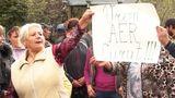 Жители села Григорэука заблокировали трассу Сорока-Отачь