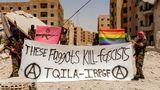 """ЛГБТ-активисты создали """"армию"""" для борьбы с ИГ, сообщил Newsweek"""