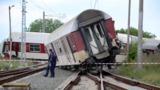 Появилось видео с места крушения поезда в Болгарии