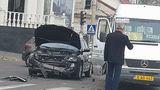 Момент столкновения маршрутки с легковым автомобилем попал на видео