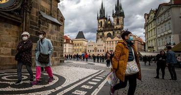 В Чехии с десятого мая отменят обязательное ношение респираторов.