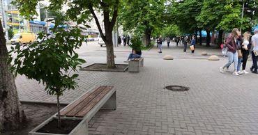 На Ботанике обустроили сквер и парковочные места.