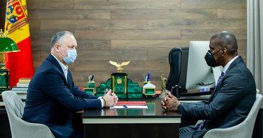 Игорь Додон провел рабочую встречу с послом США в Республике Молдова Дереком Хоганом.