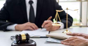 Нотариусы и адвокаты обязаны работать по обычному графику.